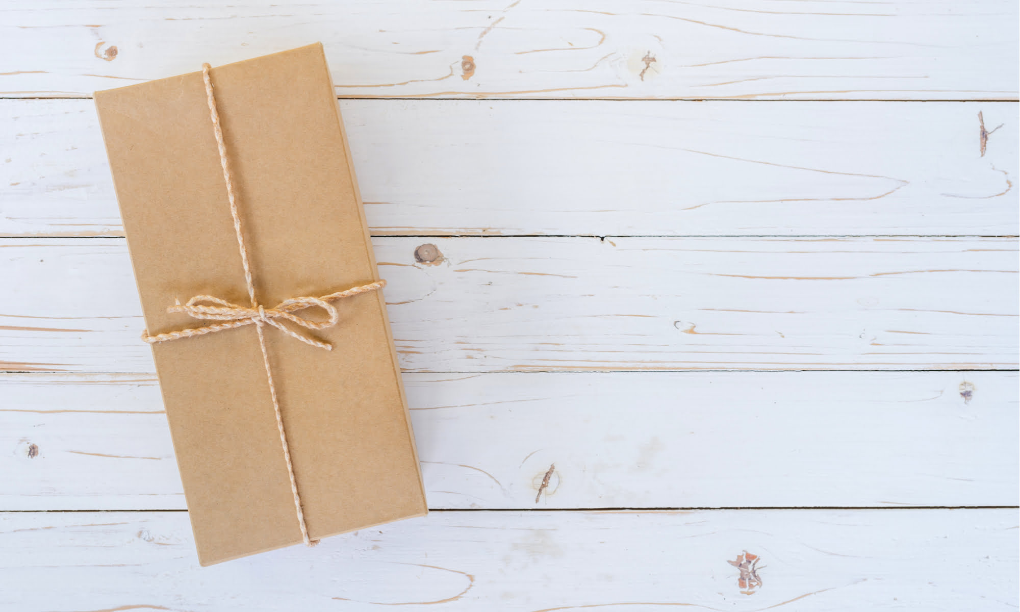 5 Sustainable Gift Wrap Ideas To Reduce Your Paper Use